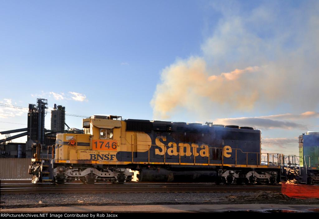 Smokin' BNSF 1746