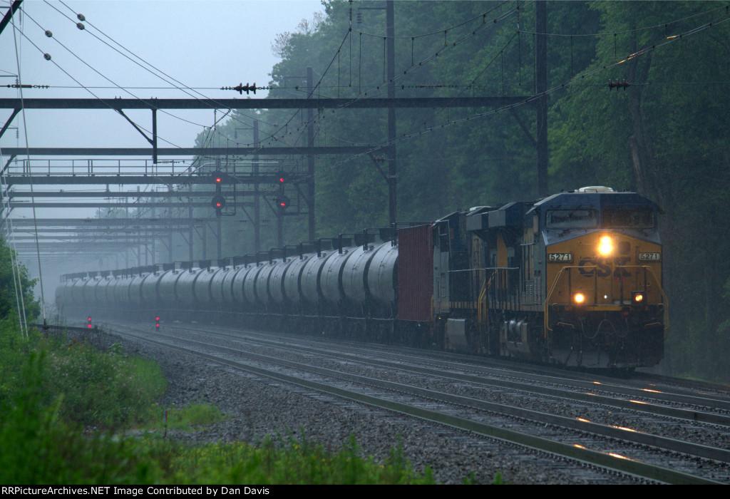 CSX ES40DC 5271 leads K040