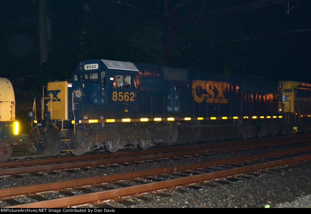 CSX SD50-2 8562 trails on Q417-26