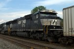 NS SD60E 6913 trails on 262