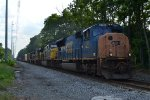 CSX SD70AC 4746 leads Q410-13