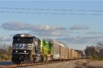 NS 6915 On NS 196 Westbound