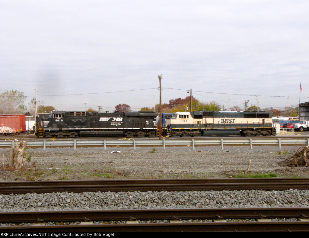 NS 8010 and BNSF 9814