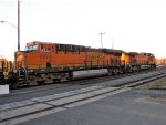 BNSF 6675 and 4015