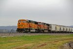 BNSF 8862 Rolls the GALMEM SB,