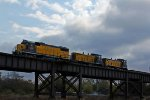 ALS 2000 Leads a transfer job across the bridge.