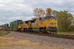 UP 8711 Heads up a Double stack..