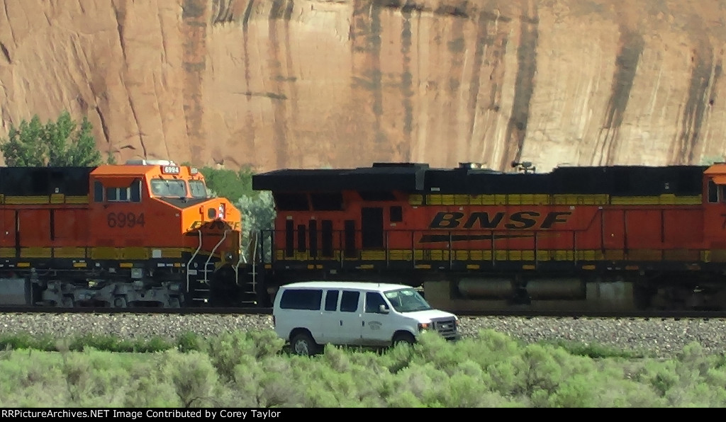BNSF 7519 and 6994