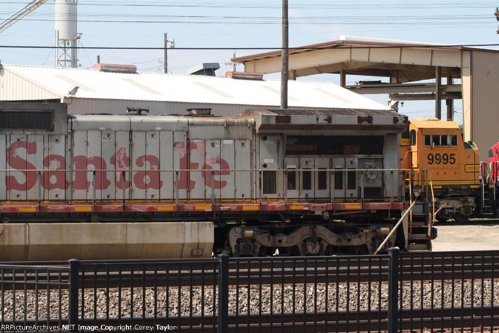 BNSF 869 and 9995