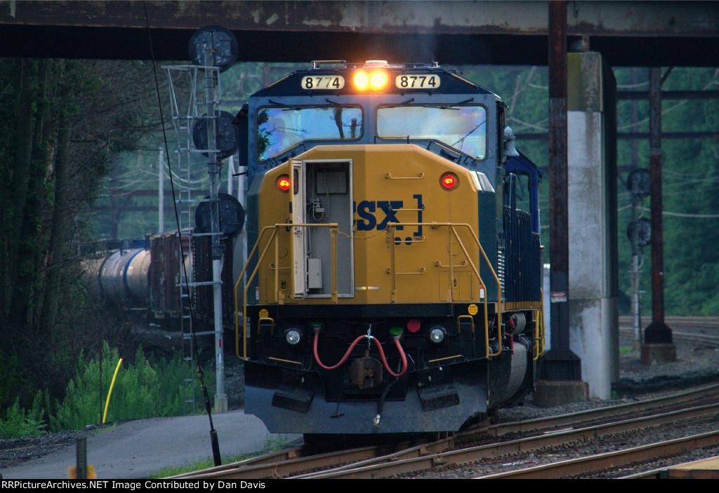 CSX SD60I 8774 leads C964-09