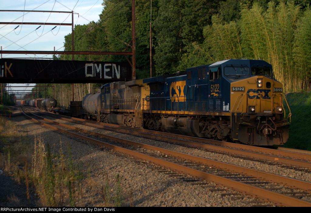 CSX CW44AH 5122 leads Q301-10
