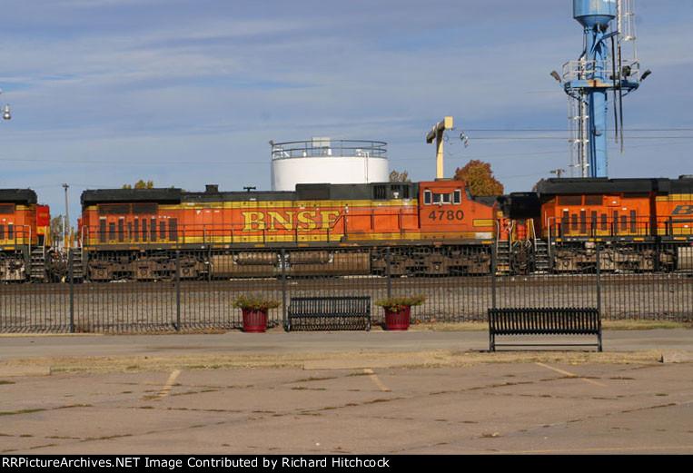 BNSF 4780