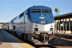"""Eastbound """"Empire Builder"""" eases into station"""