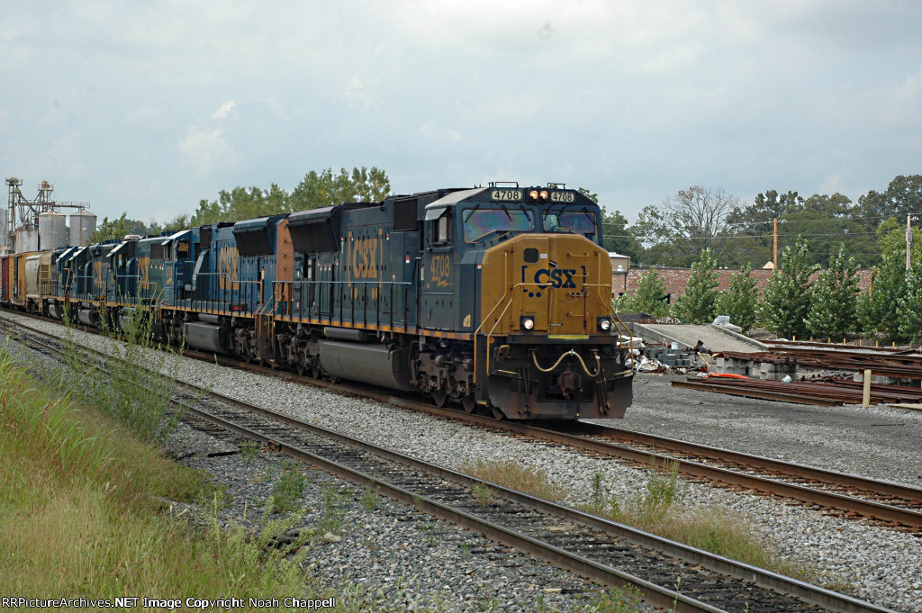 CSX Q519 with SD70AC (MAC GP40-2 & GP38-2