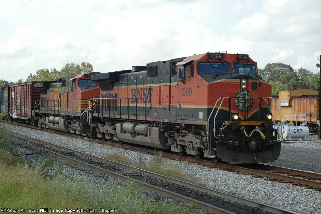CSX S519 with BNSF 1099 in the lead  in Cullman Alabama