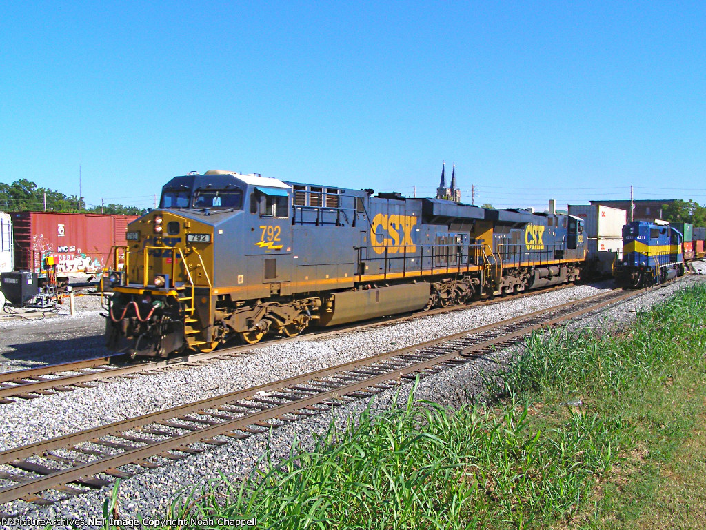 CSX 792 with HLCX 4211 is the Storage track