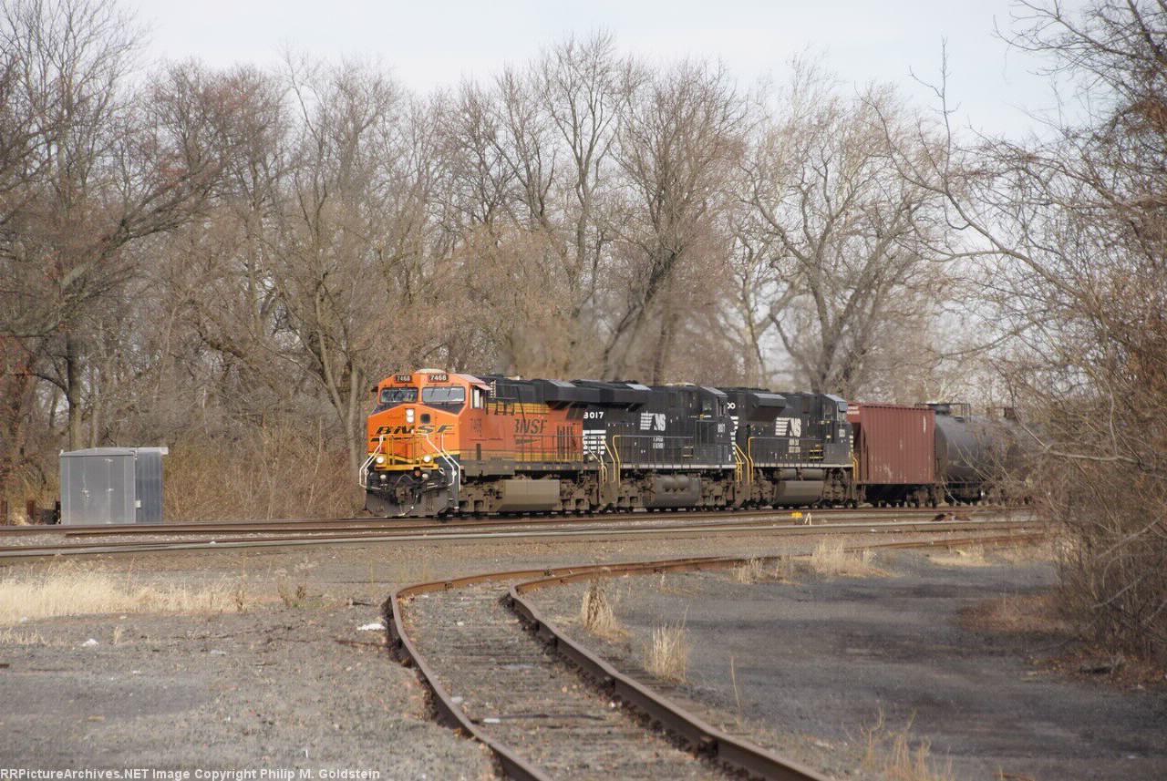 BNSF 7468, NS 8017, NS 1000