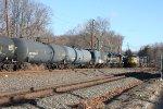 sb intermodal  passing waiting nb oil train 9:15 am (pic1)