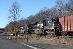 k 042 sb loaded oil train 9:15 am (pic4)