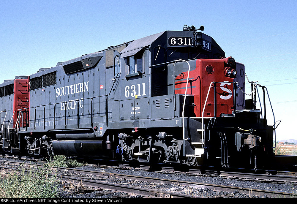 Southern Pacific GP35R #6311