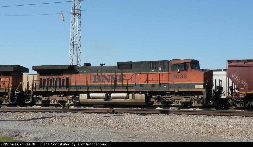 BNSF 1038  at murray yard