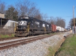NS Local heading west from Opelika