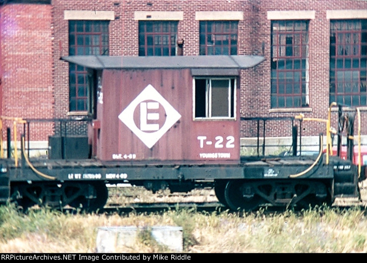 Erie RR Transfer Caboose-T 22