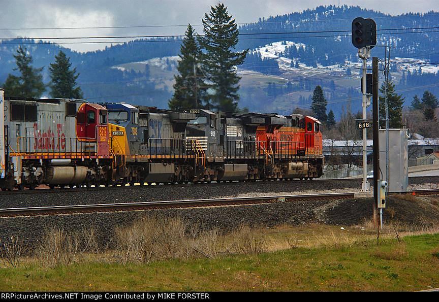 BNSF 8212