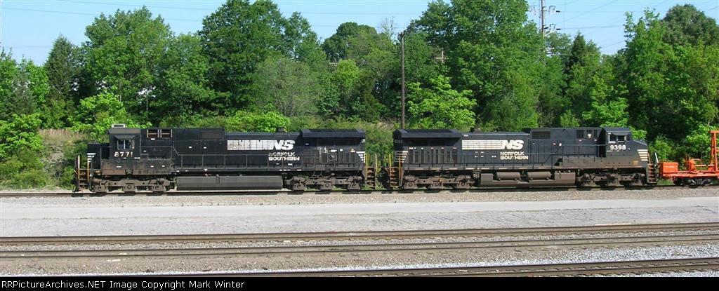 NS 8771 and NS 9398 SB into yard