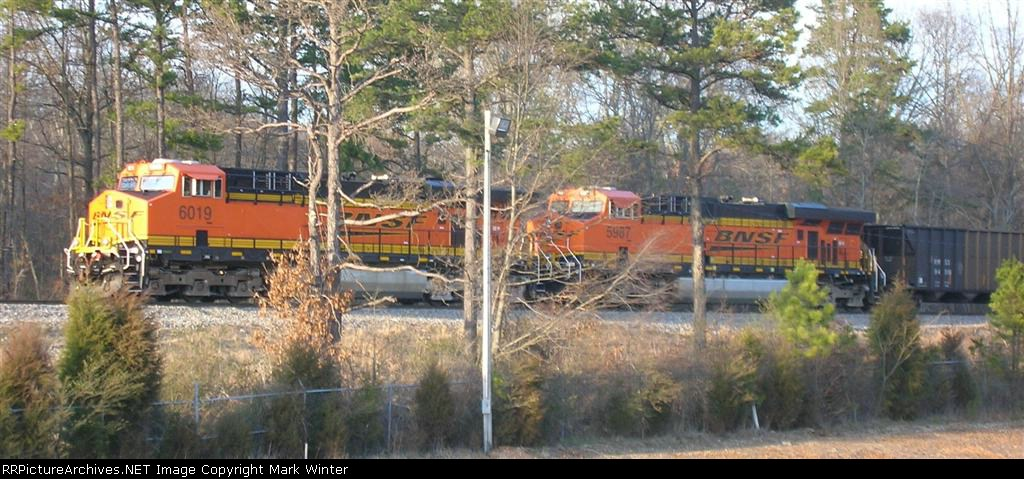 BNSF 6019 and BNSF 5987
