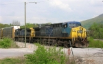 CSX 9 and CSX 7652 WB, waiting for clearance, near Wauhatchie Yard,