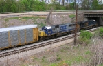 CSX 5211 and CSX 8602 approaching US 41,