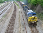 CSX 439 leading mixed train into Chattanooga