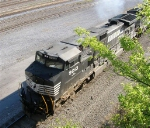 NS 9013 leaving the yard
