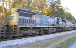 CSX 7570 and CSX 7552, along Wauhatchie Pike,