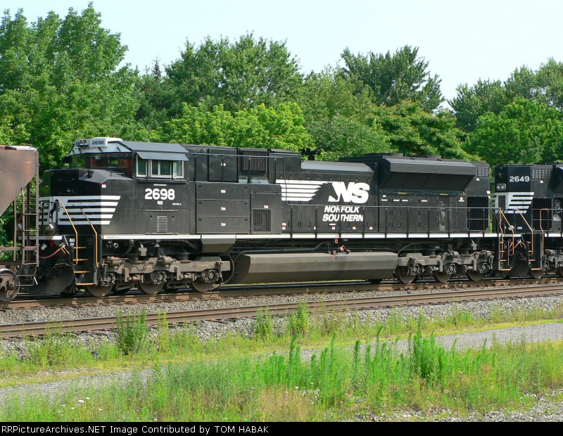NS 2698