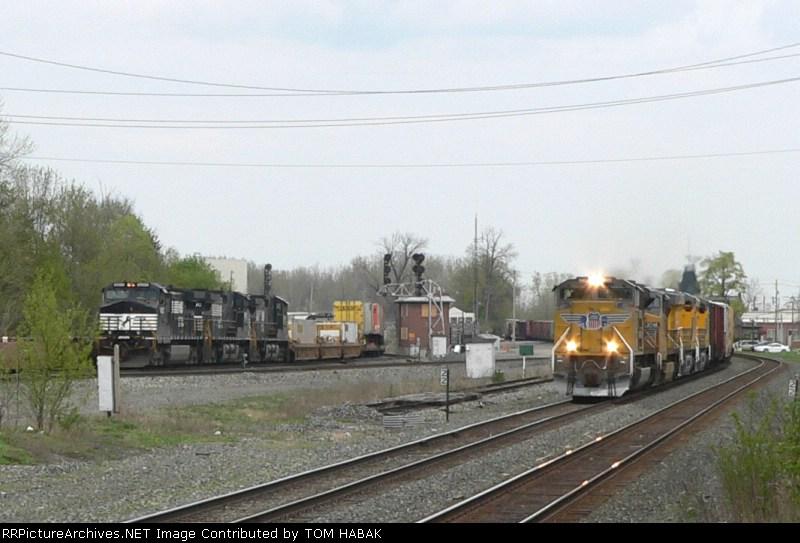 UP 8415 on CSX Q351-22