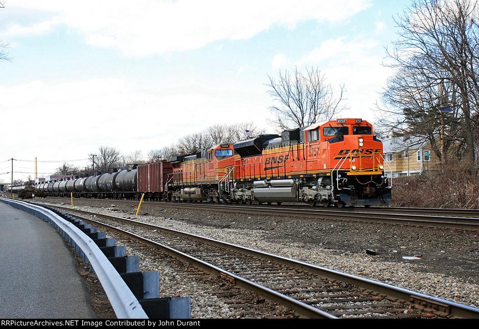 BNSF 8757 on K-042