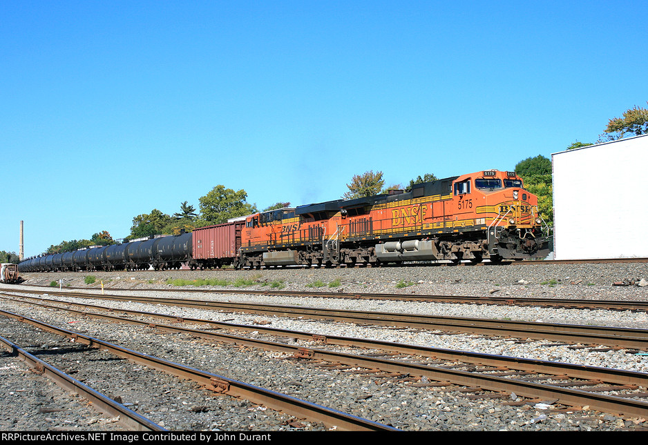 BNSF 5175 on K-038