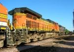 BNSF 5187 on siding,