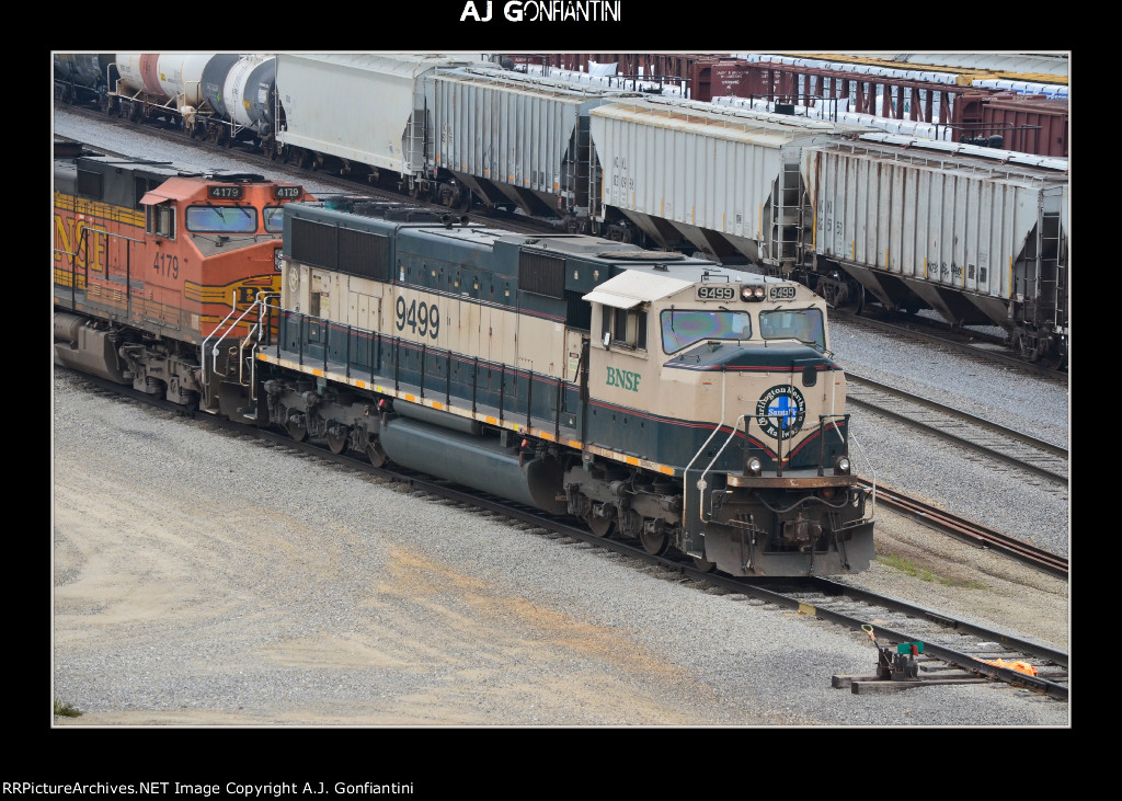 BNSF 9499