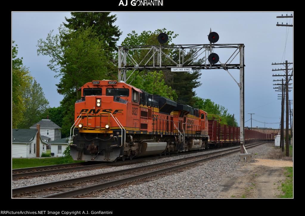 BNSF 9327 & 6053