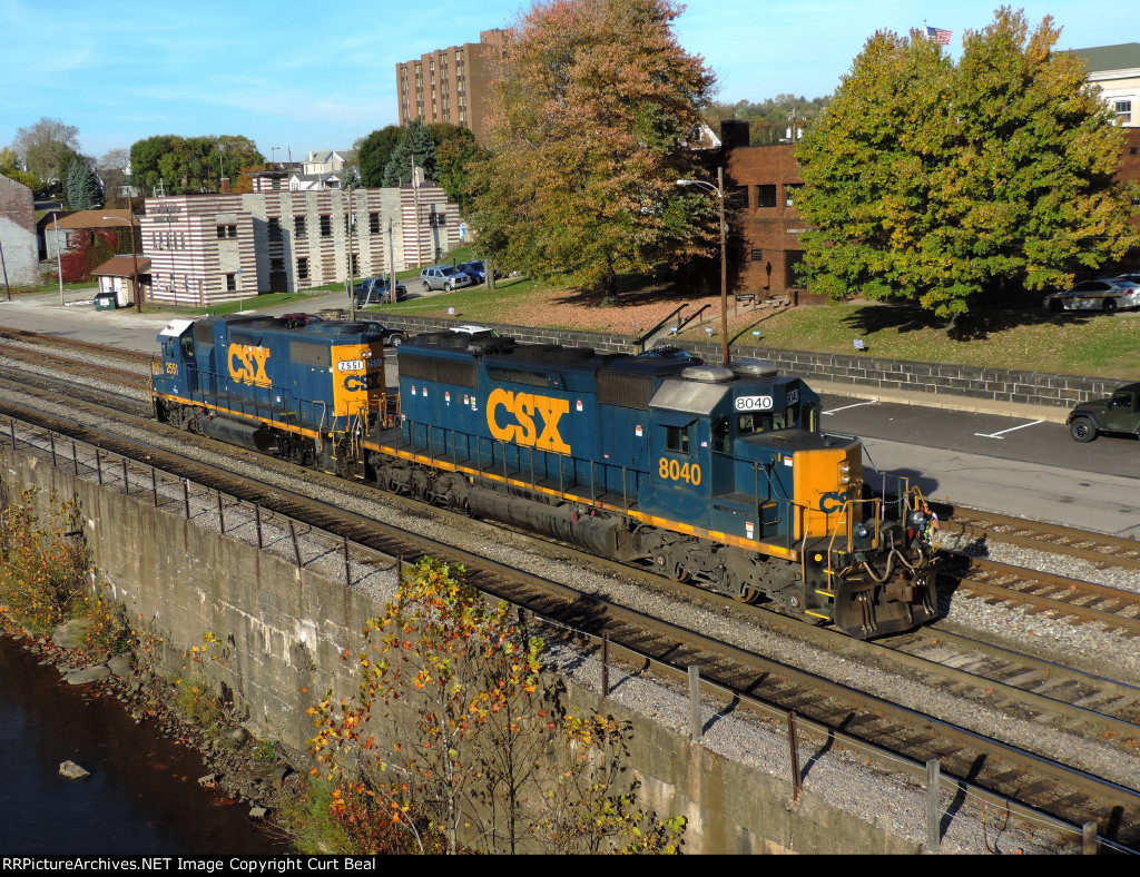 CSX 8040 and 2551