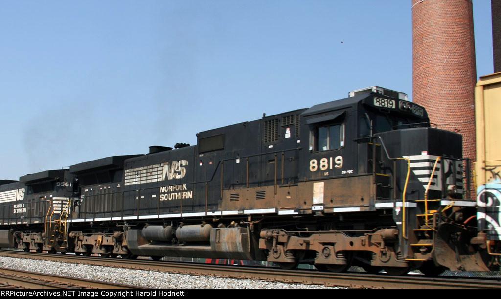 NS 8819