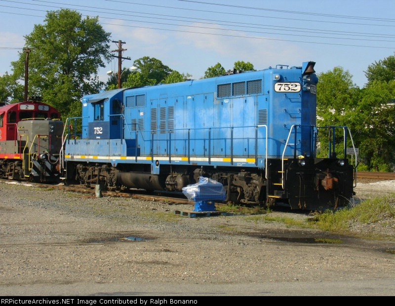 W&W GP 10 # 752 sits waiting for the new air compressor beside it to be installed