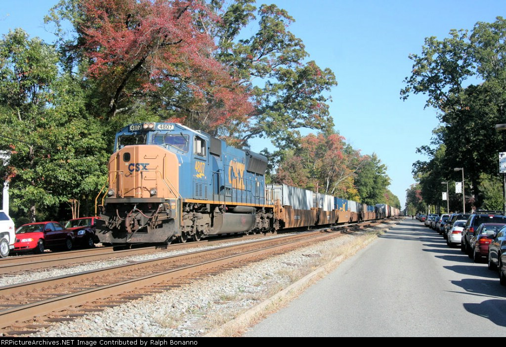 A single SD70AC is all thats needed for this southbound juice train, Q741, which has a few containers up front
