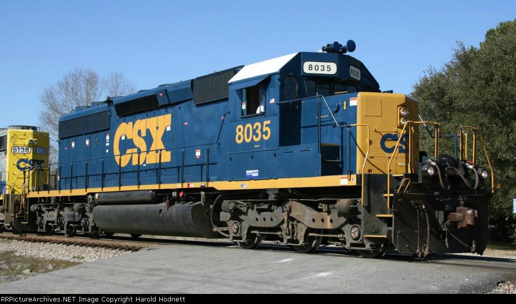 CSX 8035 displays its new paint