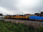 UP 4269 trails on NS 37Q