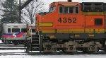 BNSF C44-9W 4352