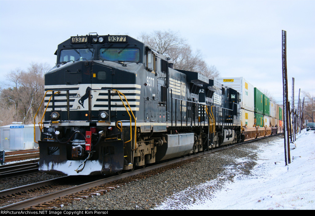 NS 9377 Rear Locomotives on 24K Push-Pull Reroute